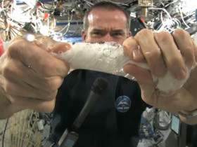 iss_hadfield_washcloth