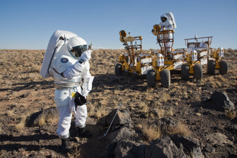 Researchers simulate Mars exploration during a 2008 NASA Desert RATS (Research and Technology Studies) exercise in Arizona. Credit: NASA